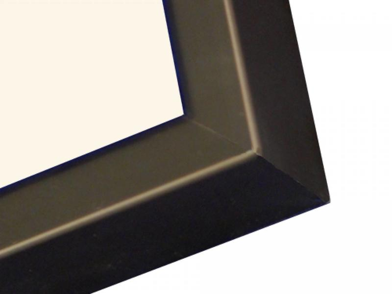 To Sparkle de Lijstenfabriek D Line mat zwart detail lijst foto